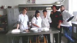"""Клуб """" Празничана кухня"""" - Професионална гимназия по туризъм Кюстендил"""
