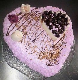 торта за Свети Валентин - Професионална гимназия по туризъм Кюстендил