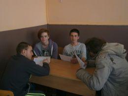 обсъждане на брошурите - Професионална гимназия по туризъм Кюстендил